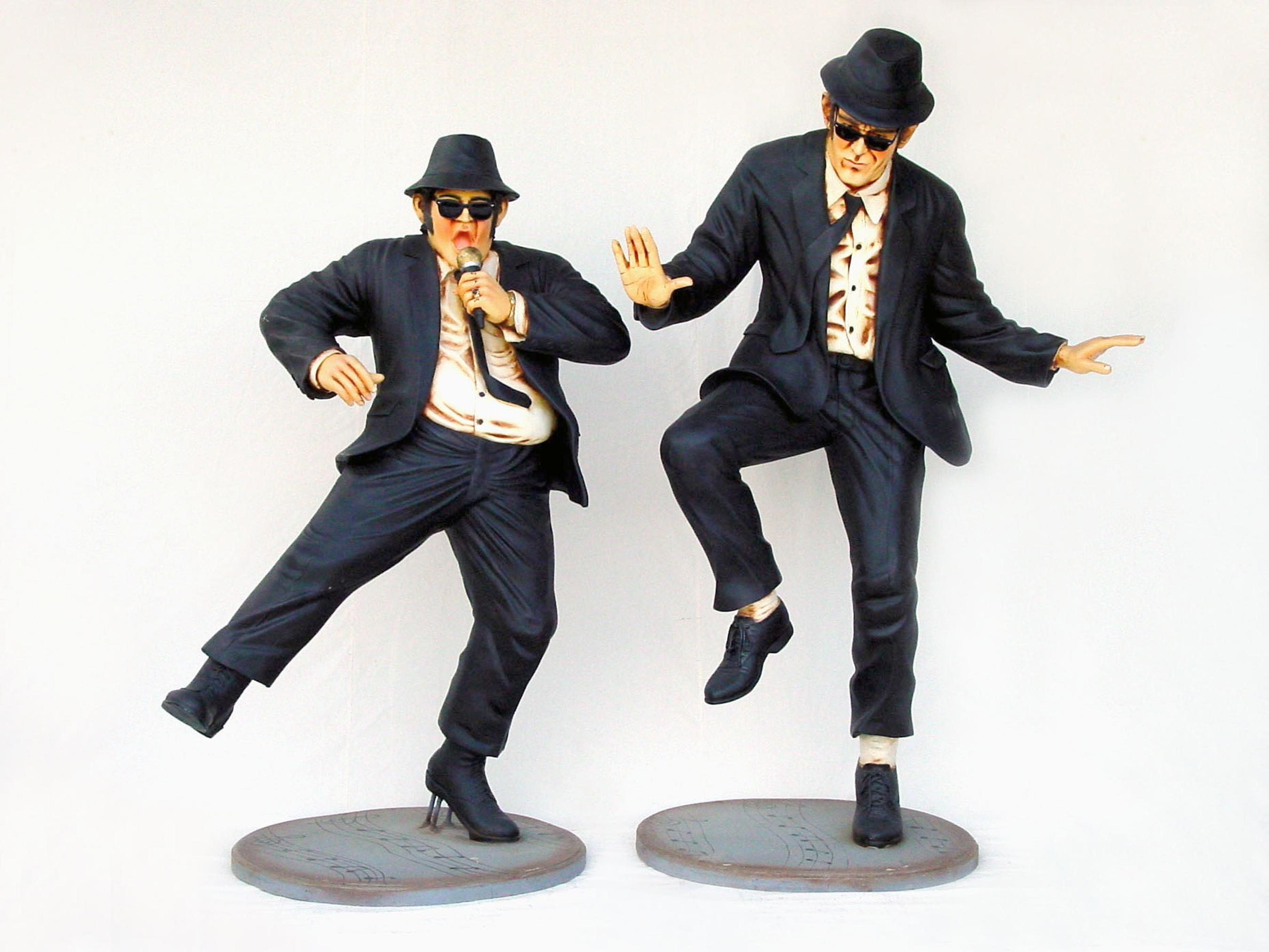 Dancing Brothers 6'