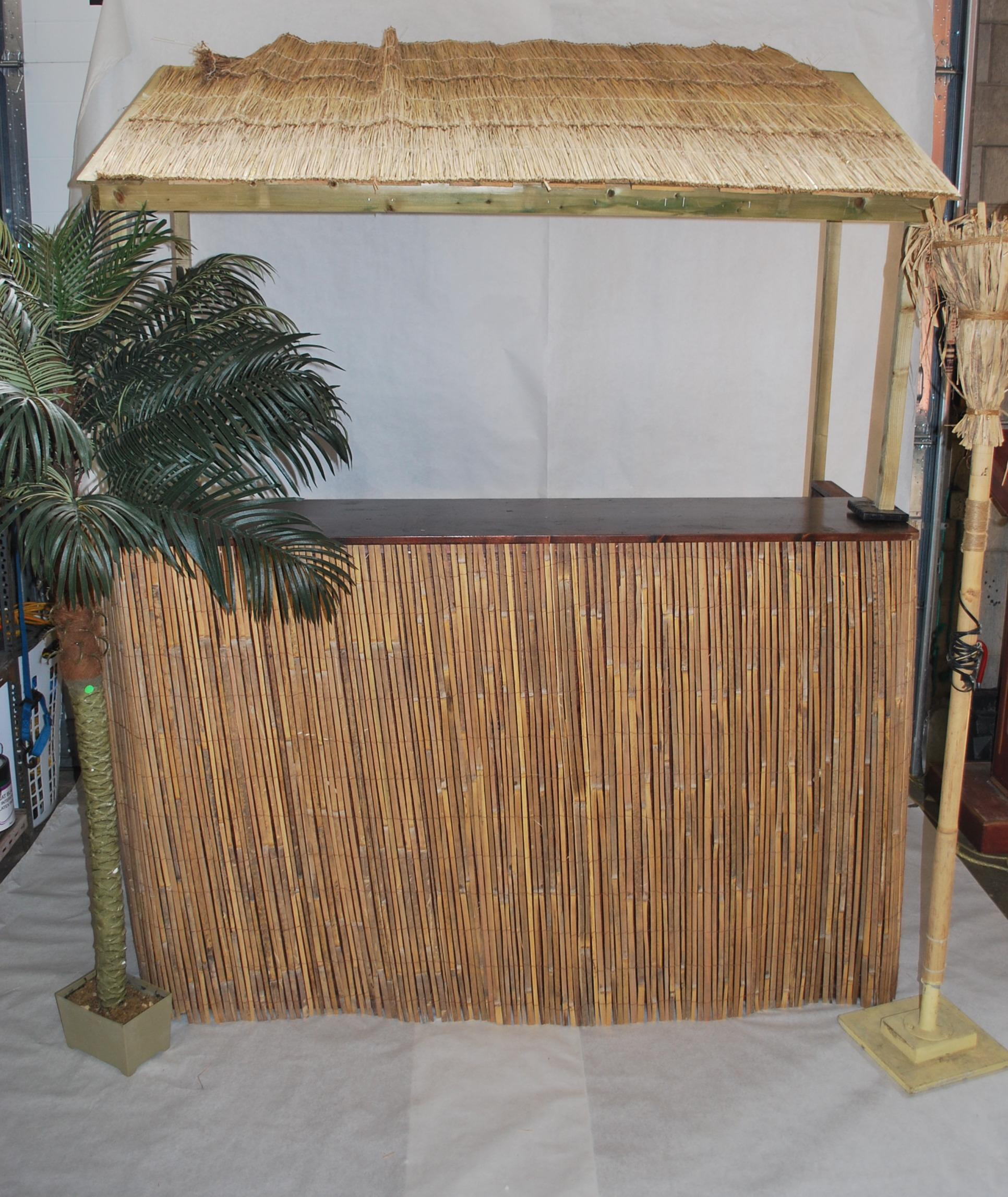7 Ft Tiki Bar
