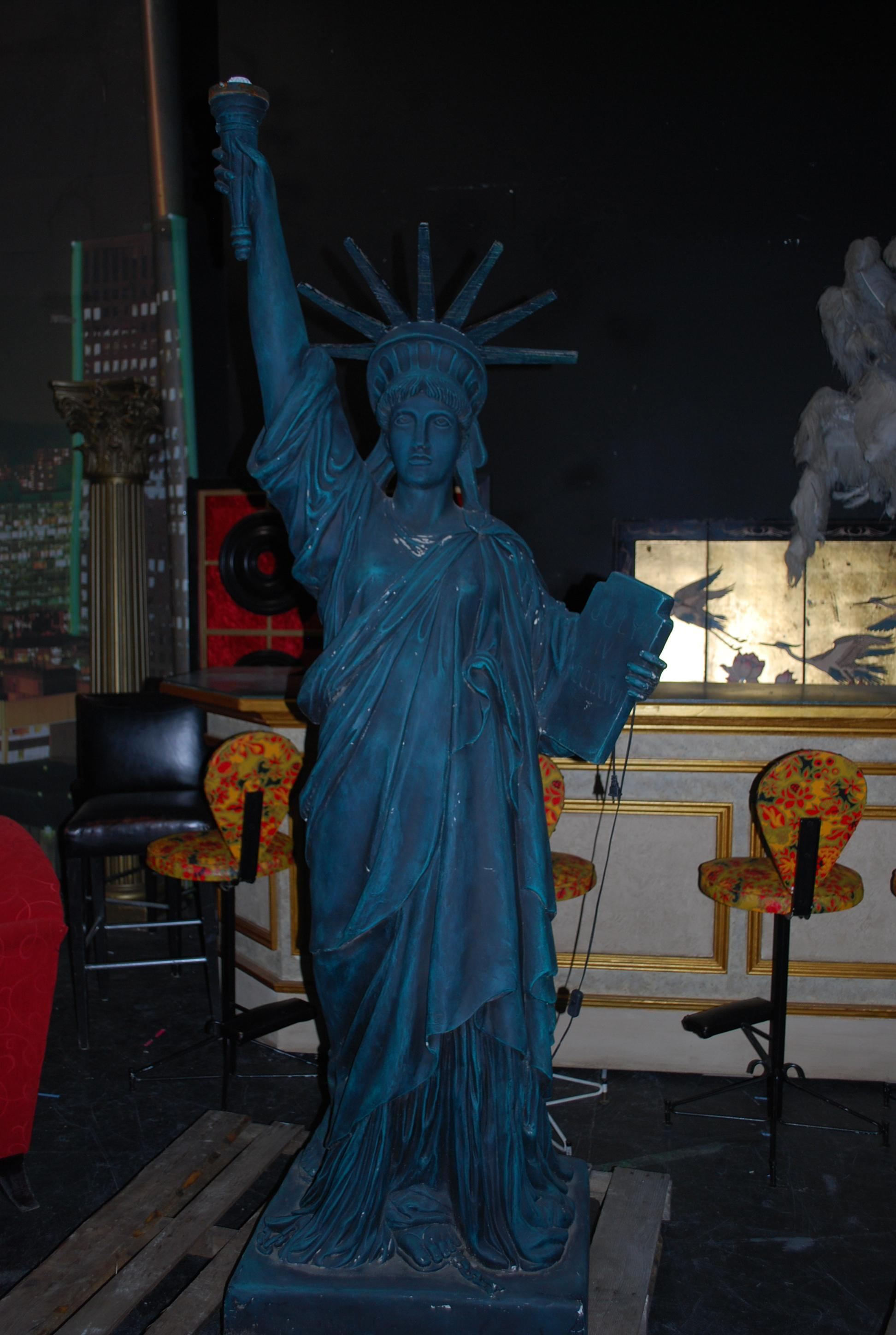 7' Statue Of Liberty
