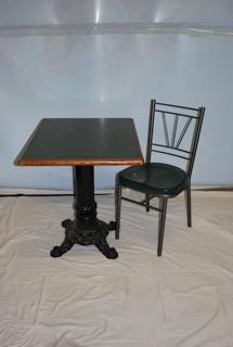 "30"" Bistro Table & 2 chairs"