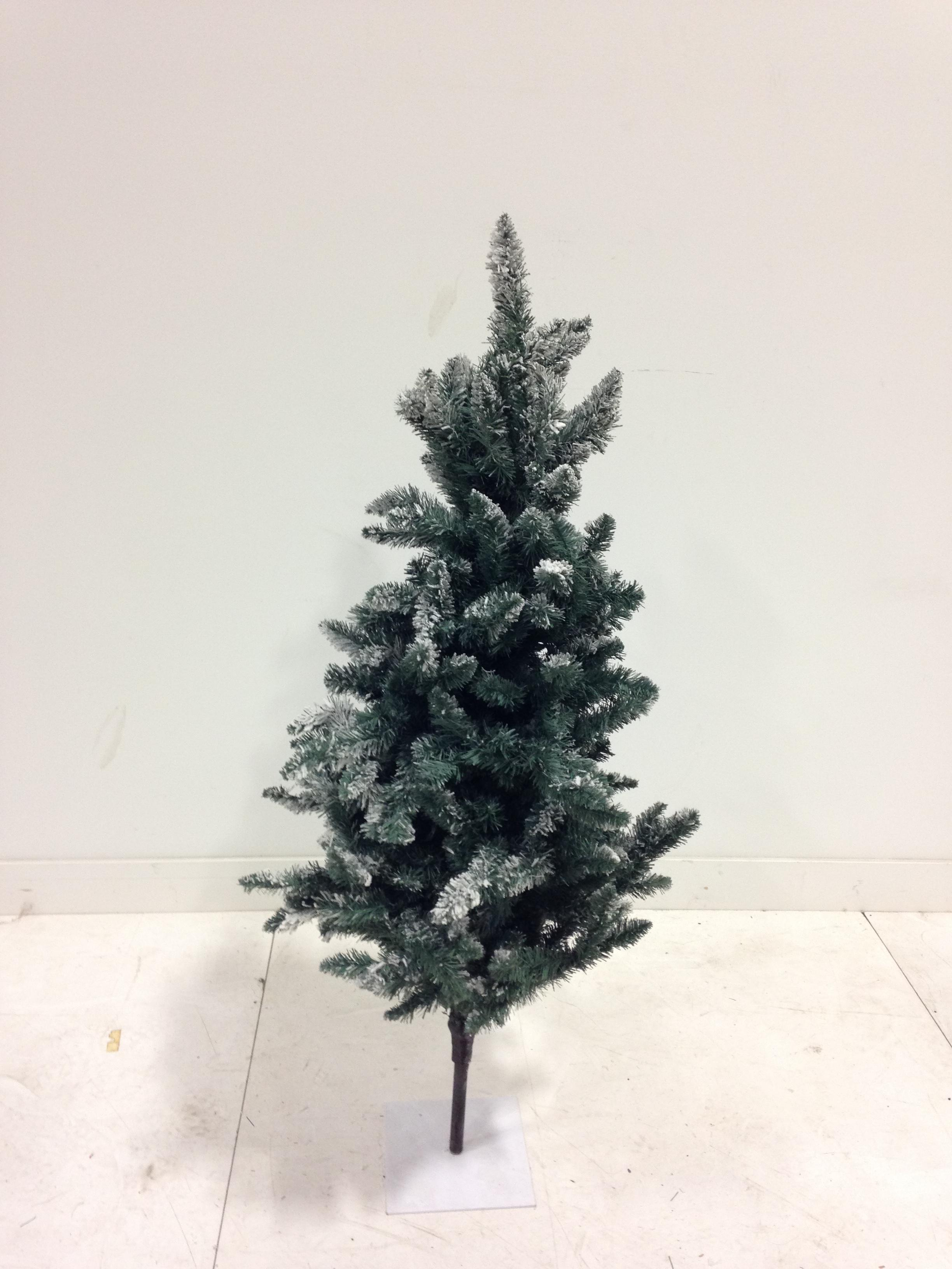 4 Ft Evergreen tree